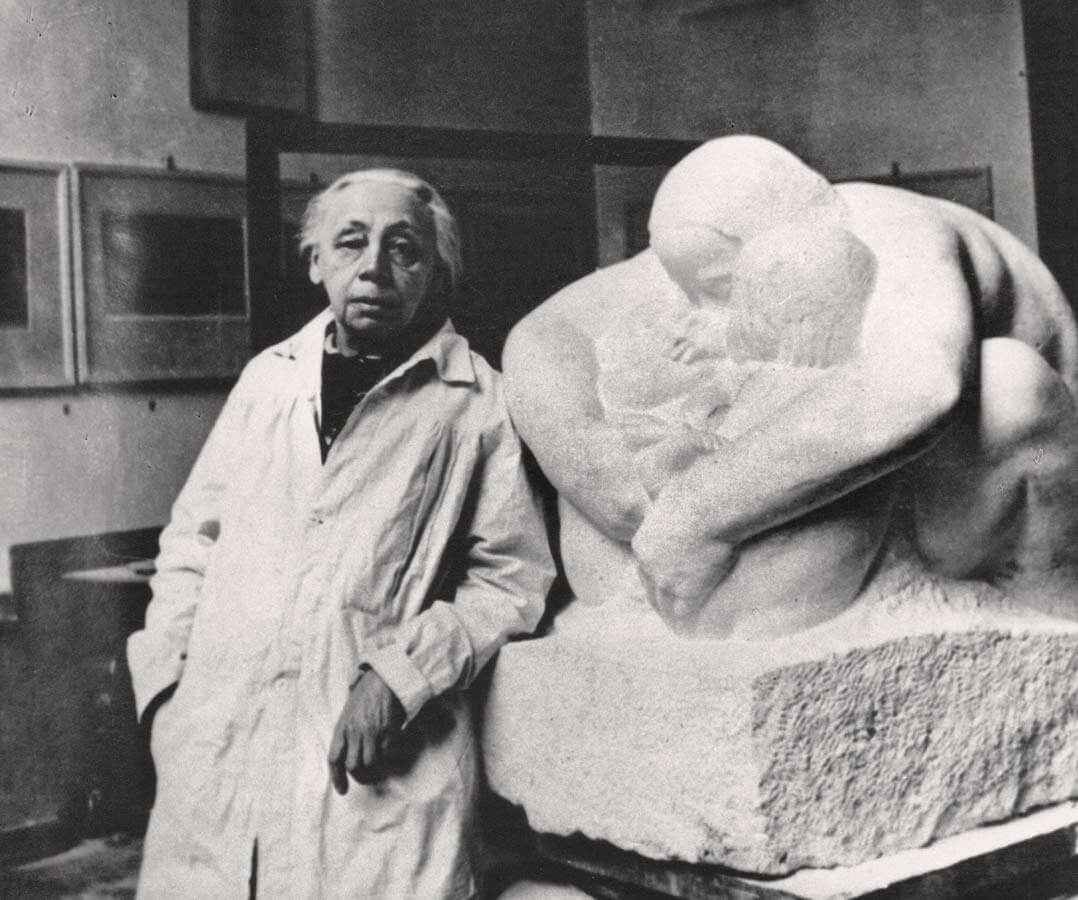 Käthe and her sculpture, 1935